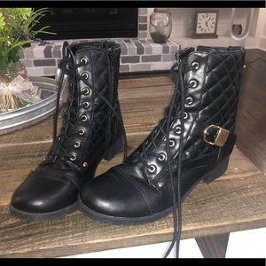 Women's Guess brand boots, black, 7.5 🥾